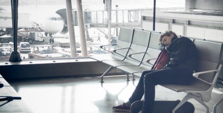 Flygplatsen - antingen ett smärre farthinder på väg mot puderlyckan eller en stoppkloss