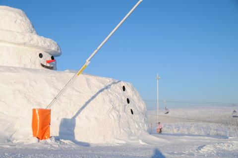 Kan snögubben Gustav bli ännu större med 10 nya snökanoner?