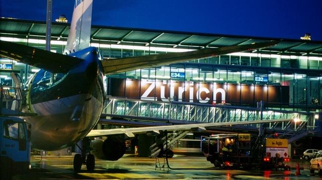 Zurich flygplats är en klassiker resandes mot snön