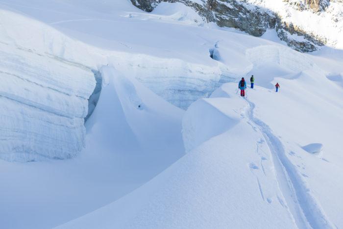 Glaciärsprickorna i Saas-Fee kommer även i modell XXL denna vinter