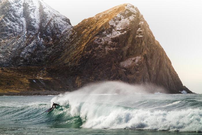 Pontus surfar