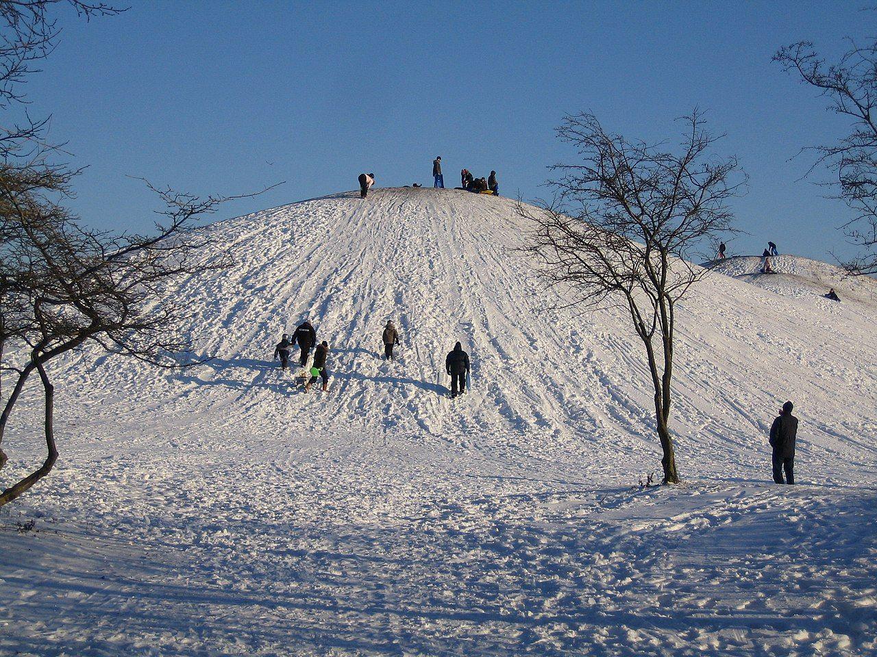1280px-Kroksbäcksparken,_vinter.jpg