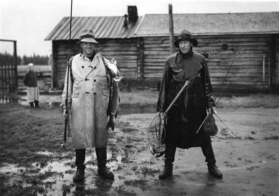 545_Bj_rn_Soldan_and_Heikki_Aho_at_the_screening_of_the_movie_JUHA_1937.jpg