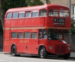 First_London_Routemaster_bus_RM1562_(562_CLT),_heritage_route_9,_Kensington_High_Street,_27_Au...jpg