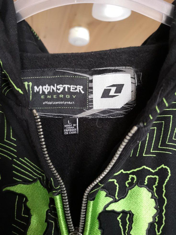 Oanvänd hoodie från Monster Energy. Storlek Large. 18475e38cbc8b